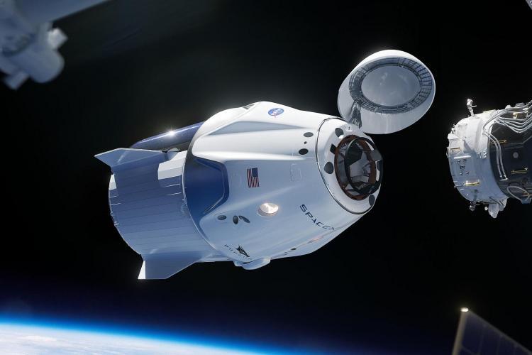 Amarrage de la capsule Dragon (image SpaceX)