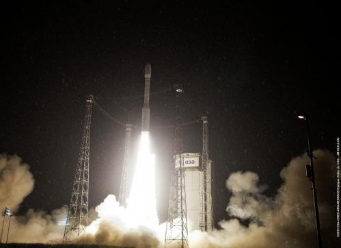 Décollage de Vega VV02 le 07/05/2013 (image ESA)