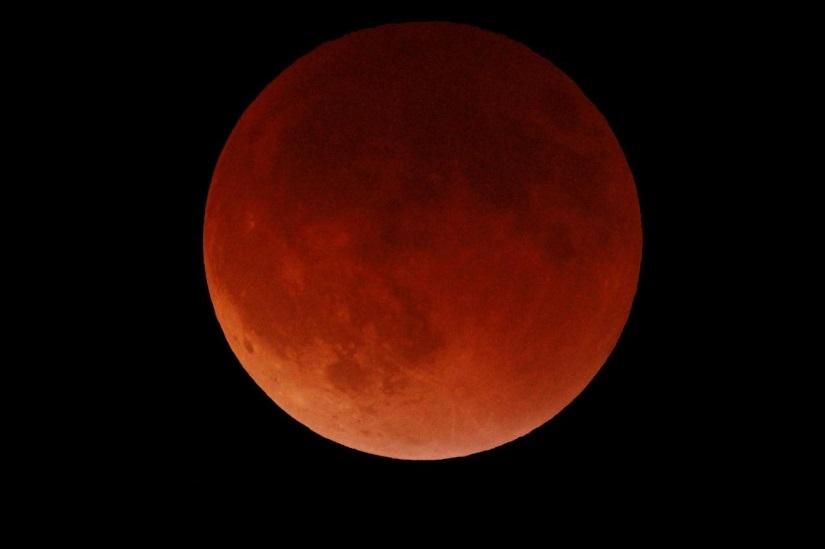 LUNDI 21 JANVIER 2019: première éclipse lunaire de l'année!
