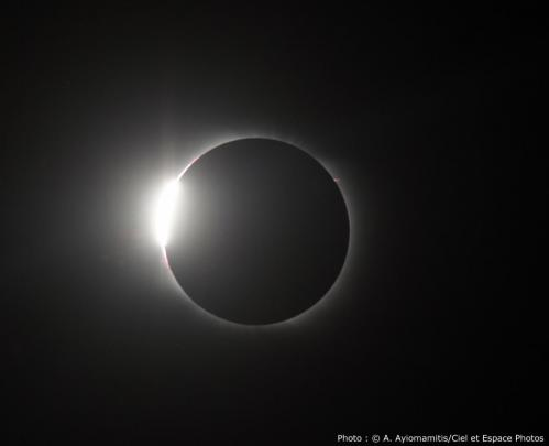 Eclipse totale de Soleil... (photo Ciel&Espace)