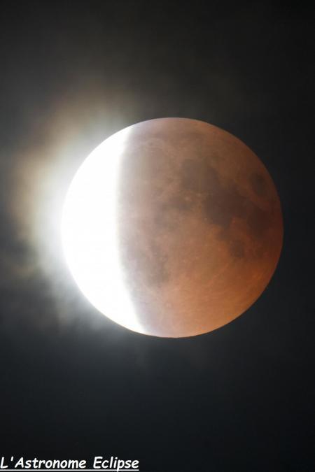 L'éclipse à 00h04 (image L'Astronome Eclipse)