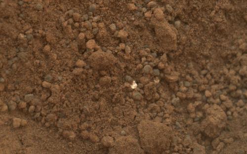 Particules brillantes sur Mars (image NASA)