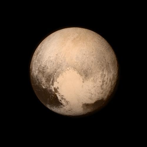 Pluton photographiée par la sonde New Horizons (image NASA)