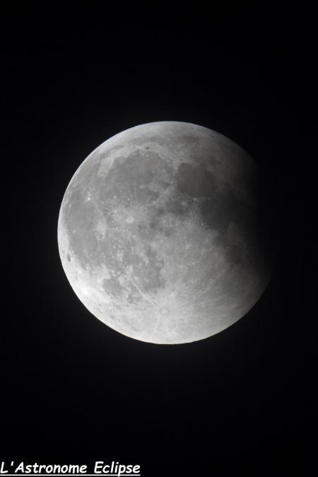 L'éclipse à 00h47 (image L'Astronome Eclipse)