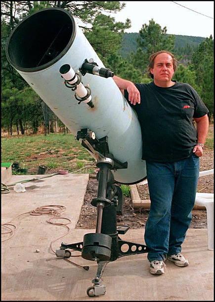 Thomas Bopp et son télescope Meade - 1997 (image Karen Lowe)